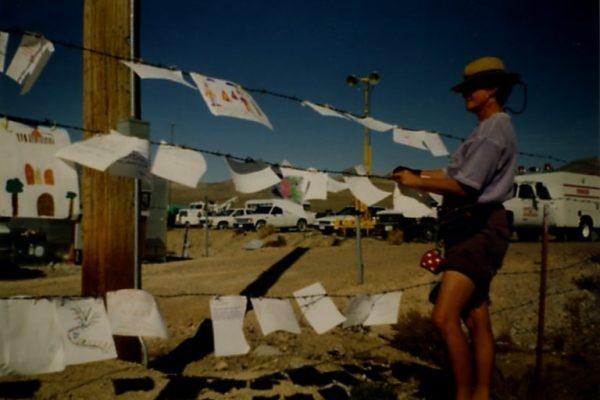 Sieth Delhaas met de brieven in de woestijn