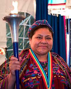 Rigoberta Menchú - ontving de Nobelprijs voor de Vrede (1992)
